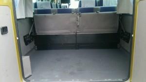 マイクロバス 車内2